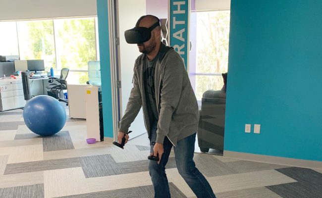 4 Key Elements of Testing VR | Centercode CTO Neil White crushing it on Beat Saber